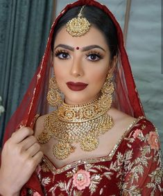 Pin By Nadia S On Eth Cedil Eth Frac12 Eth Acute Eth Cedil Eth Deg Eth Frac12 Eth Ordm Eth Cedil In 2019 Indian Bridal Makeup