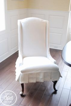 I am on a serious mission to complete my dining room. And, today I am one step closer!         New slipcovers are finally in da house!!    ...