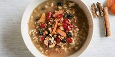 Της Αγίας Βαρβάρας η παράδοση θέλει σε πολλά μέρη της χώρας να ετοιμάζουν μια γλυκιά συνταγή, βασισμένη στην ελληνική γη. | GASTRONOMIE | iefimerida.gr | Βαρβάρα, γλυκό, σούπα, σιτάρι, καρύδια, αμύγδαλα Oatmeal, Food And Drink, Breakfast, Recipes, Pastries, Fine Dining, Recipe, The Oatmeal, Morning Coffee
