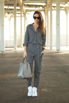 Trendy Combination of White Sneakers for Women - Jumpsuit With White Sneakers Zara Jumpsuit, Jumpsuit Outfit, Trendy Outfits, Fashion Outfits, Womens Fashion, Tomboy Fashion, Fashion Fashion, Fashion Shoes, Summer Outfits