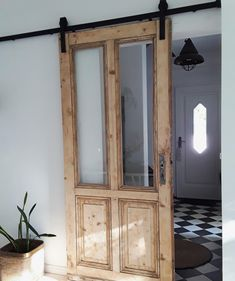 : Sliding doors: how to integrate the practical doors! Sliding doors can be a real highlight in your apartment. Let yourself be inspired or show us how yo doors homedecorelegant homedecorfarmhouse homedecorkitchen integrate practical simplehomedecor s Vintage Home Decor, Diy Home Decor, Home Living, Door Design, Sliding Doors, Barn Doors, Diy Furniture, Sweet Home, New Homes