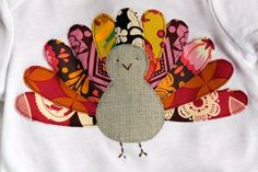 Turkey Shirt Tutorial {Thanksgiving Crafts} Your kids will be as cute as can be on Thanksgiving day with these cute turkey shirts. Get out your fabric scraps… Applique Tutorial, Shirt Tutorial, Diy Tutorial, Sewing For Kids, Baby Sewing, Sewing Patterns Free, Free Sewing, Free Pattern, Fall Crafts