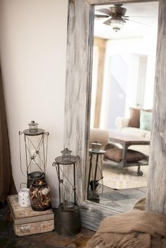 Awesome 40 DIY Rustic Bedroom Mirror Ideas on A Budget https://homstuff.com/2017/09/08/40-diy-rustic-bedroom-mirror-ideas-budget/