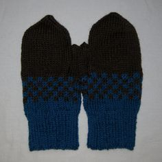 Mittens in petrol blue and brown for men or women by SaijaSkills, €17.00