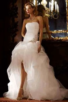 """WSJ says this is the most popular wedding dress in LA.  It's giving me """"GunsNRoses-NovemberRain-StephanieSeymore"""" realness!"""