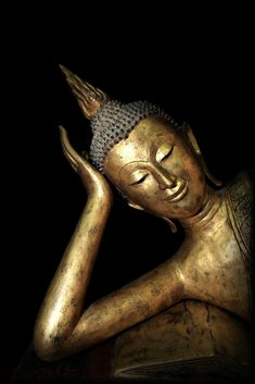 Antique Buddha Sculpture, Buddha Statues, Buddha Images and Art Thai Buddha Statue, Buddha Statues, Buddha Thoughts, Burma, Reclining Buddha, Buddha Sculpture, Gautama Buddha, Mirror Painting, Buddha Head