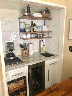 Studio Kitchenette, Small Kitchenette, Basement Kitchenette, Small Basement Kitchen, Kitchenette Design, Kitchenette Ideas, Plan Garage, Deco Studio, Mini Kitchen
