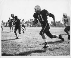 Old Army Photo 1 Army Football, Sport Football, College Football, American Football League, Football Pictures, Vintage Football, Michigan Wolverines, Action, History