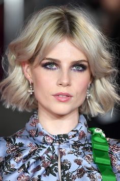 Short Hairstyles For Women, Cool Hairstyles, Hair Inspo, Hair Inspiration, Lucy Boynton, Peinados Pin Up, Celebrity Beauty, Dream Hair, Hair Dos