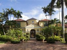 #9 FLORIDA: A $59 million, 10-bedroom, 12-full bathroom home in Palm Beach with a private beach and guest house.