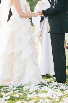 Dress Store: The Lovely Bride NYC - Martha Stewart Alumni Wedding at King Family Vineyards in Charlotesville by LK Events and Design + Kristin Moore Photo - via greylikeweddings