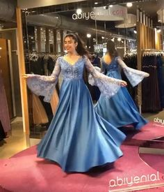Evening dress long simple | Evening Wear Prom Dresses Online Royal Dresses, Prom Dresses Blue, Dream Wedding Dresses, Nice Dresses, Bridesmaid Dresses, Cheap Prom Dresses Online, Gowns Online, Evening Party Gowns, Evening Dresses