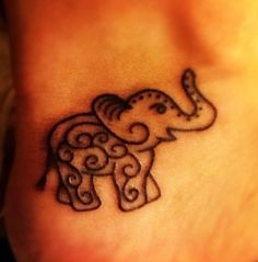 This is a tattoo but could be a super cute henna design