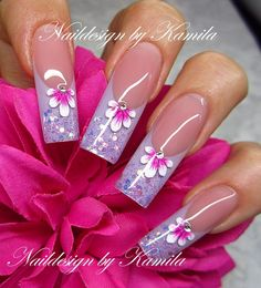 #nail #nails #nailart (ONLY LIKE THE FLOWER PART OF THE DESIN)