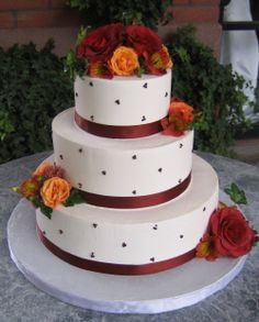 Simply Smooth Buttercream Wedding Cakes  Simply Classic cakes can be adorned to fit you needs. Round Cake, Fresh or Sugar accents make a Simply Classic Cake