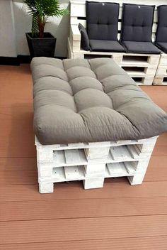 Pallets and Spool Terrace Furniture Set   99 Pallets