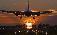 New travel plane photography awesome Ideas Travel Around The World, Around The Worlds, Airplane Landing, Photo Avion, Plane Photography, Summer Photography, Jet Plane, Plane Ride, New Travel