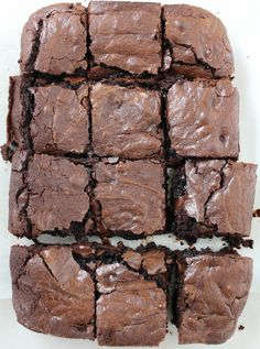Triple Threat Brownies from Hip Foodie Mom. These are chocolatey, fudgey and gooey. Everything you need to be considered a triple threat brownie. No Bake Desserts, Just Desserts, Delicious Desserts, Dessert Recipes, Blondie Brownies, Best Brownies, Salted Caramel Chocolate, Chocolate Brownies, Peanut Butter And Co