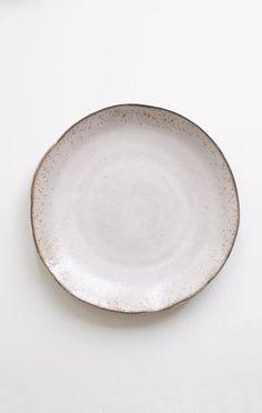 AKIKO GRAHAM CERAMIC DINNER PLATE
