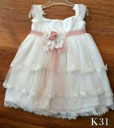 Βαπτίστικα ρούχα για κοριτσάκι ρομαντικά vintage σε κλασική γραμμή με λευκή  δαντέλα !καλέστε 2105157506 Βαπτιστικά ρούχα για κοριτσάκι φτιαγμένα με  αγάπη by ... 500b4b35919