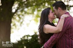 Carillon Point and Juanita Beach Park Engagement Session Photographs | Cambria & Robert's Engagement Session Photo's
