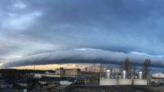 Elképesztő vattapamacsok jelentek meg az égen | 24.hu Clouds, Outdoor, Outdoors, The Great Outdoors, Cloud