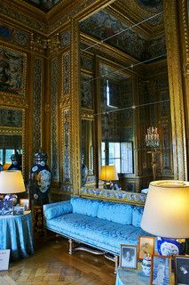 Tall mirror in the blue room