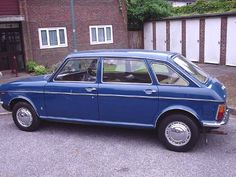 cars Austin Maxi - my Dad had one of these in a lighter blue! Classic Cars British, British Car, Birmingham, 70s Cars, Hatchback Cars, Morris, Car Advertising, Commercial Vehicle, Automobile