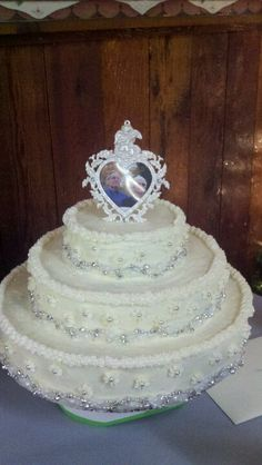 60Th anniversary cake 60th Anniversary Cakes, 60 Wedding Anniversary, Anniversary Ideas, Anniversary Parties, Sparkly Wedding Cakes, Bliss, Party, Beautiful, Weddings