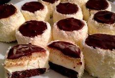 Recepti i Ideje Torte Recepti, Kolaci I Torte, Easy Cake Recipes, Sweet Recipes, Dessert Recipes, Mini Desserts, Holiday Desserts, Sweet Sushi, Bean Cakes