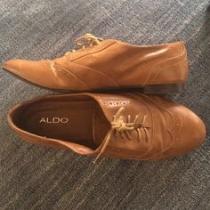 aldo leather oxford flats • leather upper • rubber sole • medallion toe • broguing details • classically cute ladies flats • no scuffing • minimal marking, although the wear just makes them look and feel better • ALDO Shoes Flats & Loafers