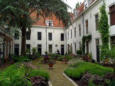 Hofje Willem Vroesenhuis Spieringstraat Gouda Holland