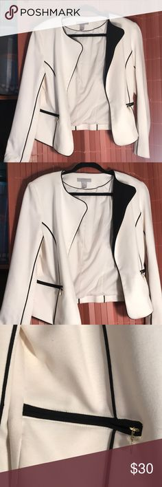 White and black cropped blazer Hm white and black cropped blazer. So beautiful and stylish. Gold zippers. The back is shorter then the front. Worn once. Size US 14 H&M Jackets & Coats Blazers