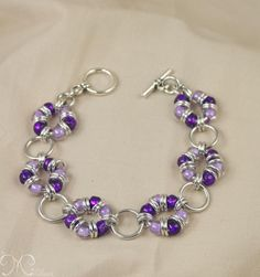 Seed Bead Bracelet Patterns | Wreath - Lilac & Dark Lilac beads, Bright aluminum accent rings