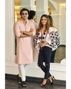 Ranbir Kapoor visits Gauri Khan at her store in town Mens Indian Wear, Indian Groom Wear, Indian Men Fashion, Dope Fashion, Mens Fashion Suits, Wedding Dresses Men Indian, Indian Wedding Wear, Wedding Dress Men, Kurta Pajama Men