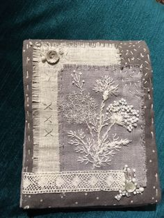 Fabric Journals, Handmade Books, Fabric Art, Textile Art, Vintage Sewing, Hand Stitching, Fiber Art, Hand Embroidery, Quilts