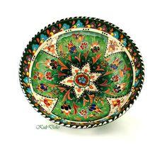 Turkish ceramic bowl/ Keramikschale Türkei/green sooo colorfull with ornaments handcrafted! bei https://www.etsy.com/de/listing/208161728/keramikschussel-turkei-kutahya-26cm-grun