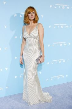 Kelly Reilly - Kelly Reilly Photos - Celebs at the French Premiere of 'Flight' 2 - Zimbio Kelly Riley, Lovely Girl Image, Beautiful Women Over 40, Gorgeous Redhead, Sexy Dresses, Elegant Dresses, Nice Dresses, Country Outfits, Redheads