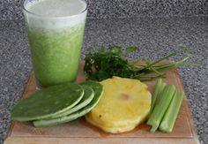 Licuado de nopal con piña Cactus and Pineapple Smoothie