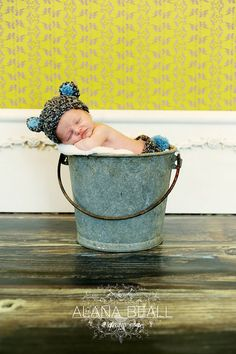 Baby boy newborn photography © Vanity's Edge / Alana Beall     Learn different tips and tricks on photography, and preserve your special moments right from your house without coughing out big Doe on studio fees.