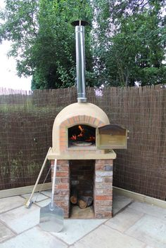 a little firebrick oven, design doesn't take up much space.