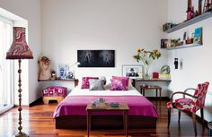 whimsical bedroom in shades of fuchsia - ELLE.ES