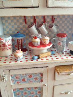 Mini cupcake baking