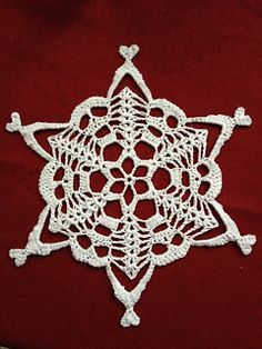 Skull Snowflake free crochet pattern - 10 Free Crochet Skull Patterns - The Lavender Chair With this skull crochet patterns you can create and amazing and creepy peice of art. Great for either Halloween or Dia de los Muertos! Crochet Skull Patterns, Halloween Crochet Patterns, Crochet Snowflake Pattern, Crochet Snowflakes, Doily Patterns, Crochet Motif, Crochet Doilies, Knit Crochet, Doilies Crafts