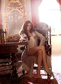 Eva Green. Fantastic crossed legs