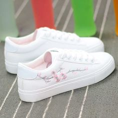 HOT Spring Women Shoes White Sneakers Breathable Flats Women Low Top Canvas Shoes Lace-up Flower Casual Woman Tenis Feminino shoes flats Sneakers Mode, Sneakers Fashion, Fashion Shoes, Shoes Sneakers, Canvas Sneakers, Women's Fashion, White Casual Sneakers, Casual Shoes, White Sneakers Nike