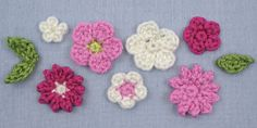 small flower crochet pttern | ... by June Gilbank » free pattern: Posy Blossoms (flowers & leaves