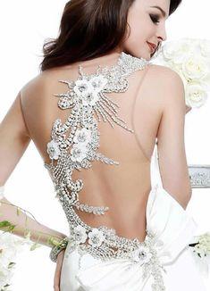 Vestido de noiva com decote nas costas tendência 2014