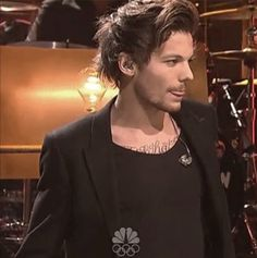Louis Tomlinson Hot || THAT TOUNGE WTF LOOK AT THE TOUNGE THAT FUCKKINGGNGN TOUNGEEEEEEEEEEEEEE >>>> Good stuff