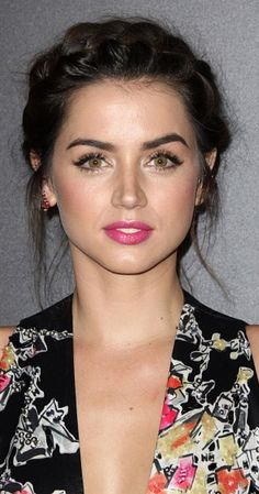 World Ethnic & Cultural Beauties Cuban - Ana de Armas<br> Most Beautiful Faces, Beautiful Girl Image, Beautiful Celebrities, Beautiful Actresses, Beautiful Eyes, Gorgeous Women, Girl Face, Pretty Face, Beauty Women